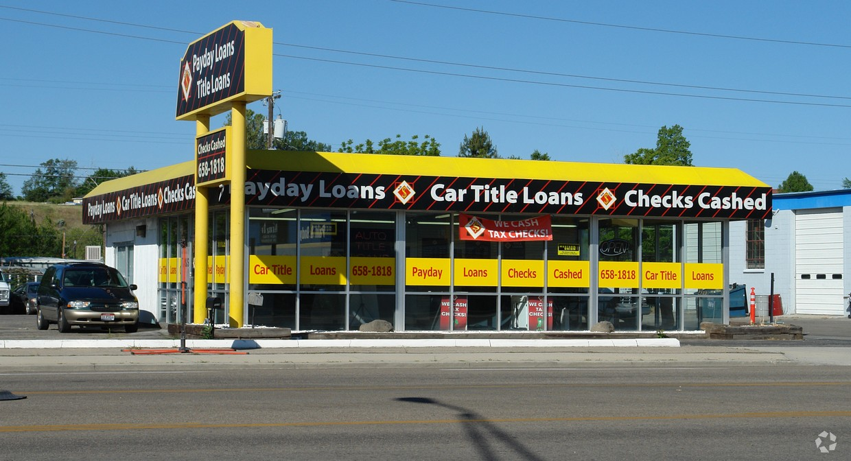 Just Leased Free Standing Retail Building Garden City